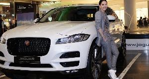 INNA, alaturi de Tiriac Auto la prezentarea noului crossover Jaguar F-Pace