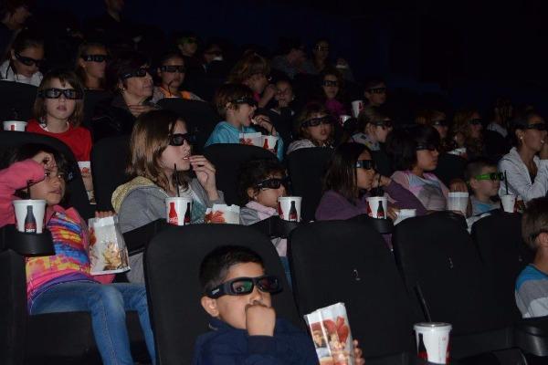 "Tiriac Auto Constanta ofera o zi la cinema copiilor de la Centrul de Plasament  ""Micul Rotterdam"" din Constanta"