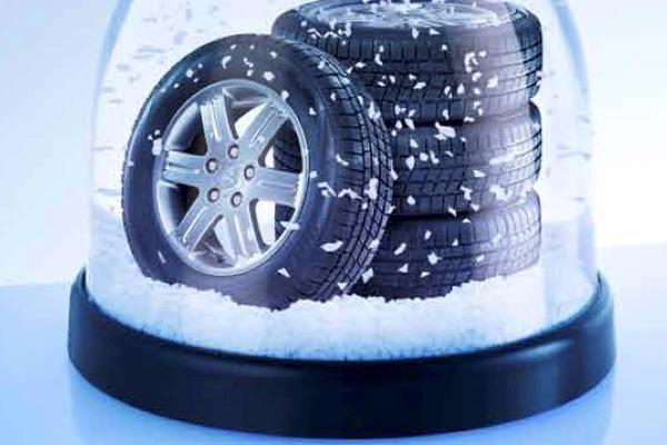 Este sezonul rotilor de iarna. Descopera cadoul pregatit de Mitsubishi.