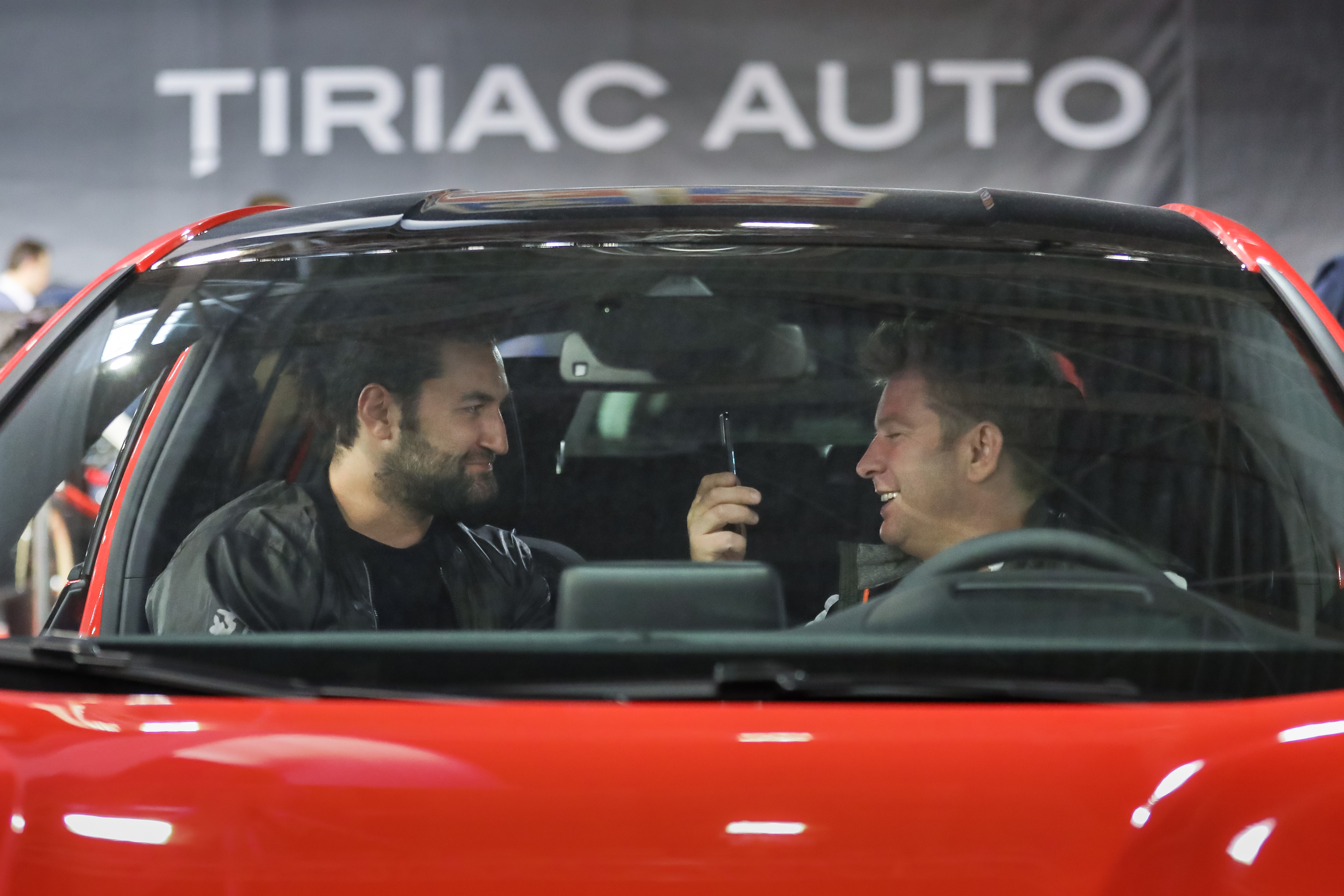 Smiley si Pavel Bartos la standul Tiriac Auto Salonul Auto Bucuresti 2018
