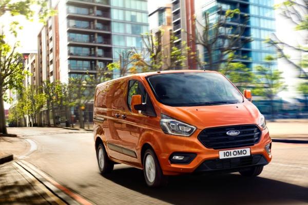 Black Friday - Noul Ford Transit Custom Van - avantaj client 5.800 €* fara TVA