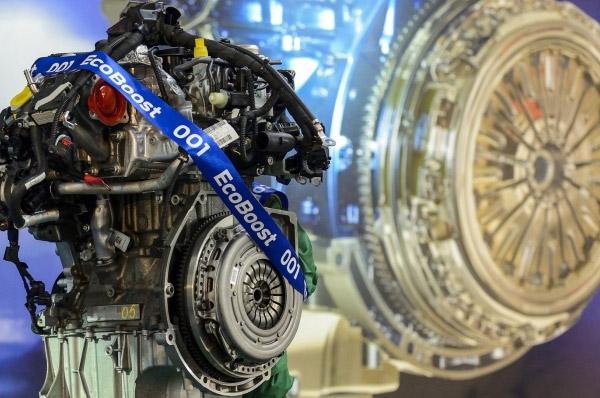 Ford castiga premiul Motorul International al Anului pentru a doua oara si anunta cresterea productiei motorului EcoBoost de 1 litru