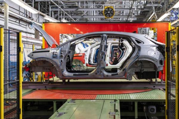 Ford Craiova estimeaza volume record de productie in 2020