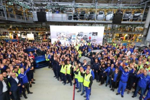 Ford lansează la Craiova producția noului Puma, primul vehicul hibrid construit în România