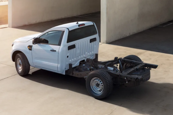 Ford Ranger va fi disponibil si in versiunea de autosasiu convertibil incepand cu ianuarie 2021
