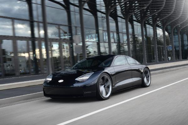 "Hyundai dezvaluie noi detalii despre modelul concept electric ""Prophecy"""