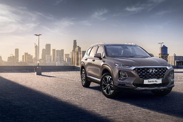 Hyundai dezvaluie noi imagini cu Santa Fe