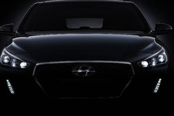Hyundai dezvaluie primele imagini cu noua generatie i30