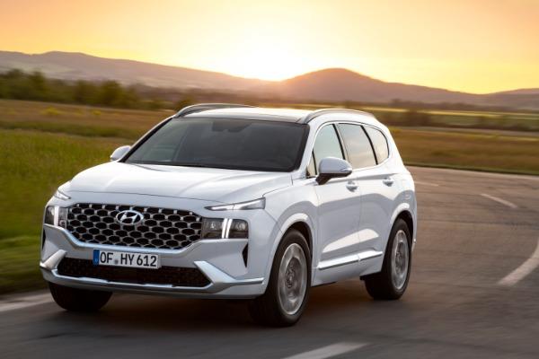 Hyundai dezvaluie viitorul model Santa Fe