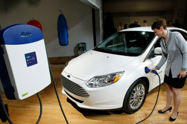 Incepe productia Ford Focus Electric in Europa; primul autovehicul integral electric construit in Europa iese de pe liniile de asamblare