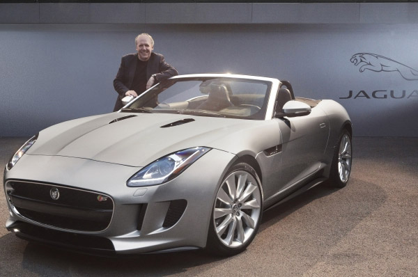 jaguar-f-type-a-fost-desemnata-masina-cu-cel-mai-bun-design-al-anului-2013.jpg