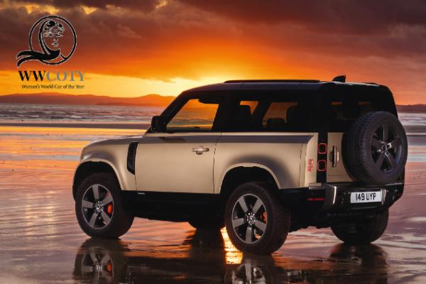 Land Rover Defender - Masina Anului 2021 pentru femei