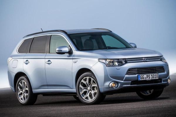 Mitsubishi a inceput comercializarea modelului Outlander PHEV in Europa