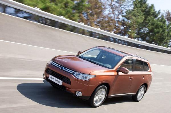 Mitsubishi prezinta noul Outlander in Romania – liderul noii generatii