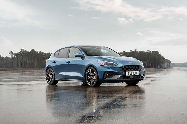 Noul Ford Focus ST  - performante de circuit intr-o masina care poate fi utilizata in viata de zi cu zi