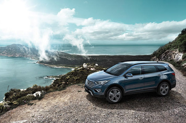 Noul model Hyundai Grand Santa Fe este disponibil in reteaua Tiriac Auto