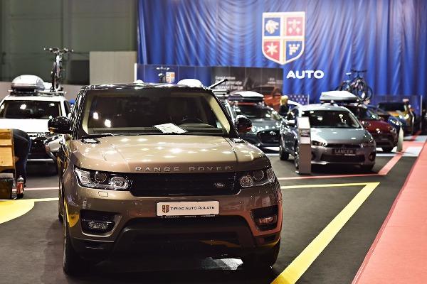 tiriac-auto-prezinta-o-gama-extinsa-de-automobile-si-o-serie-de-servicii-complete-in-cadrul-salonului-auto-bucuresti-4.jpg