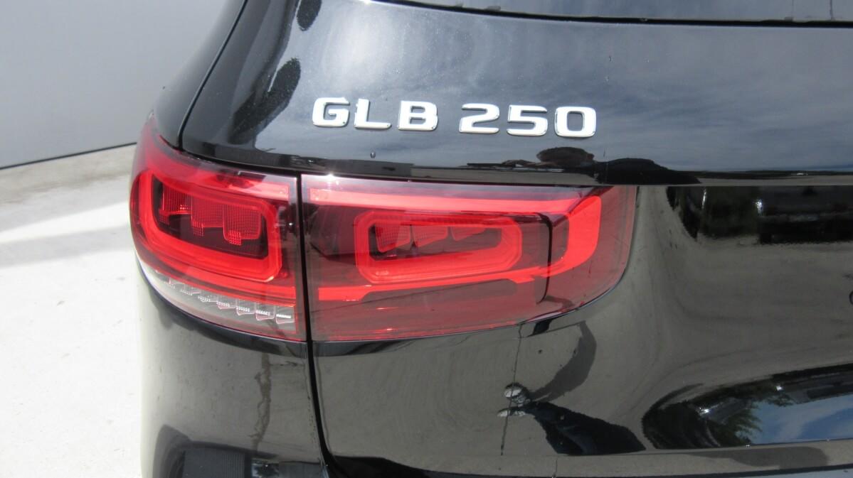 MERCEDES-BENZ GLB GLB 250 4MATIC
