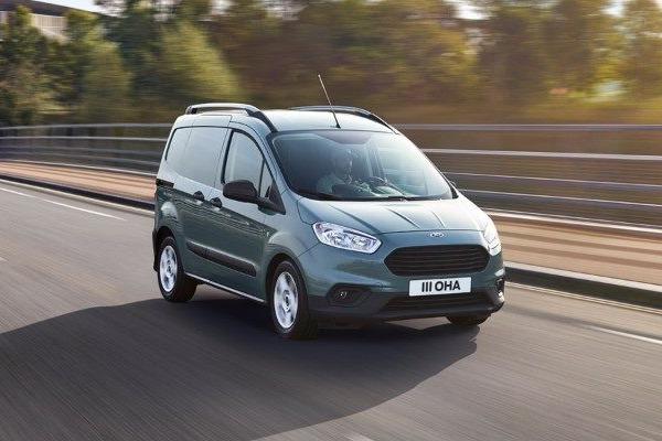 Oferta pers. juridice: Ford Transit Courier Van– Rata lunara de 156 Euro si dobanda 0%