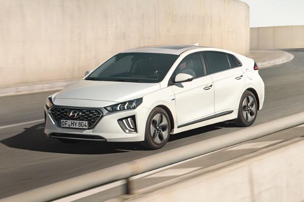 Profita de oferta Hyundai pentru Ioniq Hybrid!